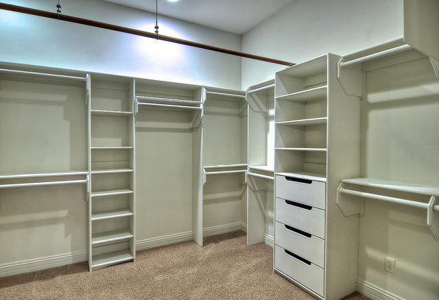 17-master-closet