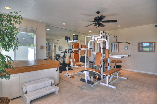 gym-with-hot-tub